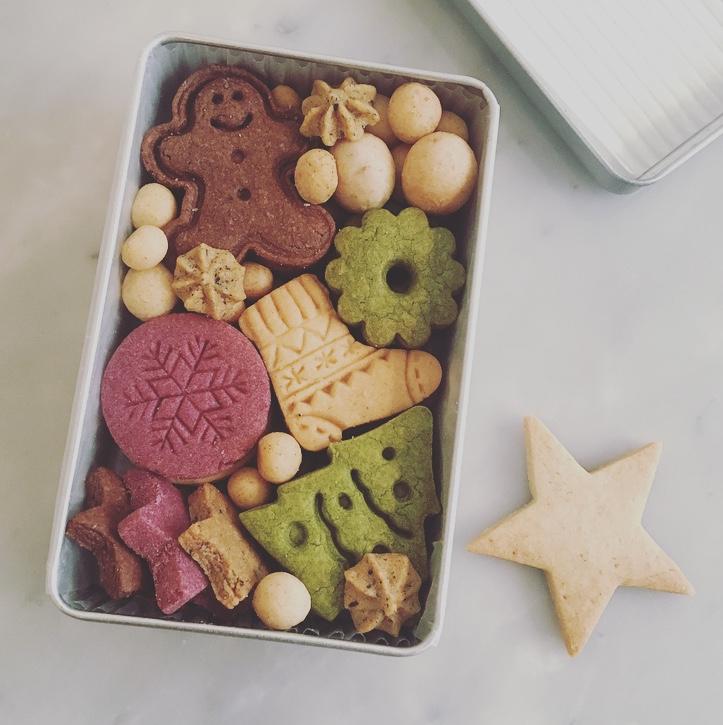 12月 クッキーBOX   クリスマス缶
